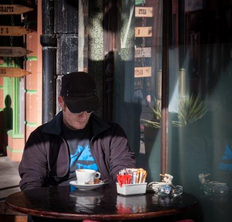 Cafe Dweller, Obz