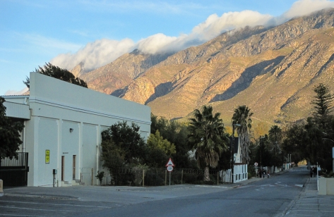 Montagu means mountains